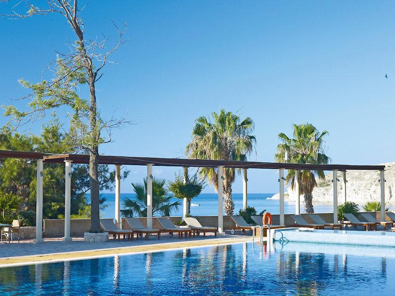 columbia-beach-cypr-cypr-poludniowy-rozrywka.jpg