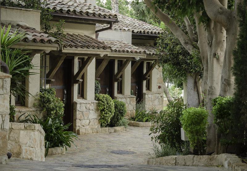 columbia-beach-hotel-cypr-cypr-poludniowy-wyglad-zewnetrzny.jpg