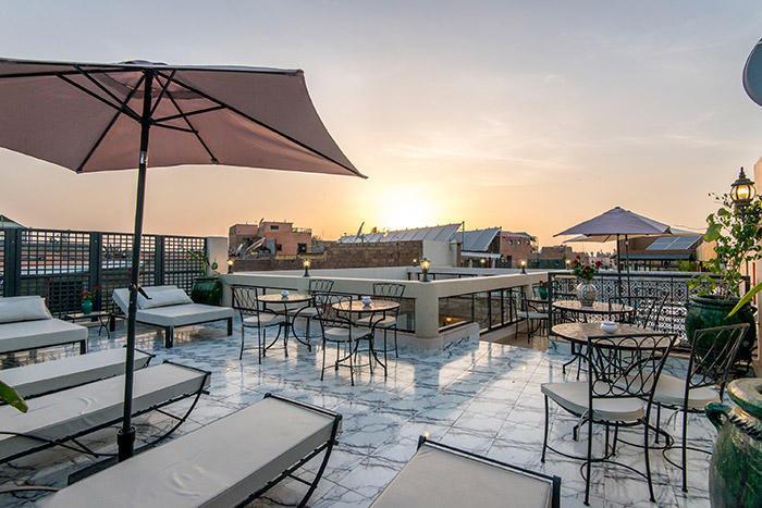 columbia-beach-hotel-cypr-lobby.jpg