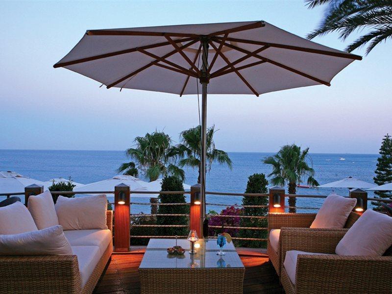 columbia-beach-resort-cypr-cypr-poludniowy-pissouri-lobby.jpg