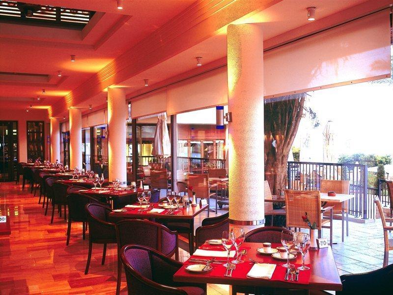 columbia-beach-resort-cypr-cypr-poludniowy-restauracja.jpg