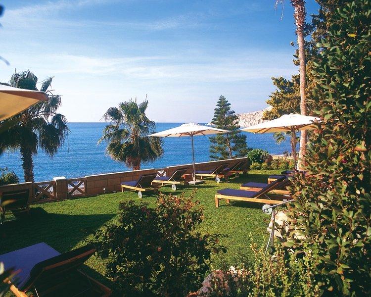 columbia-beachotel-cypr-cypr-poludniowy-ogrod.jpg