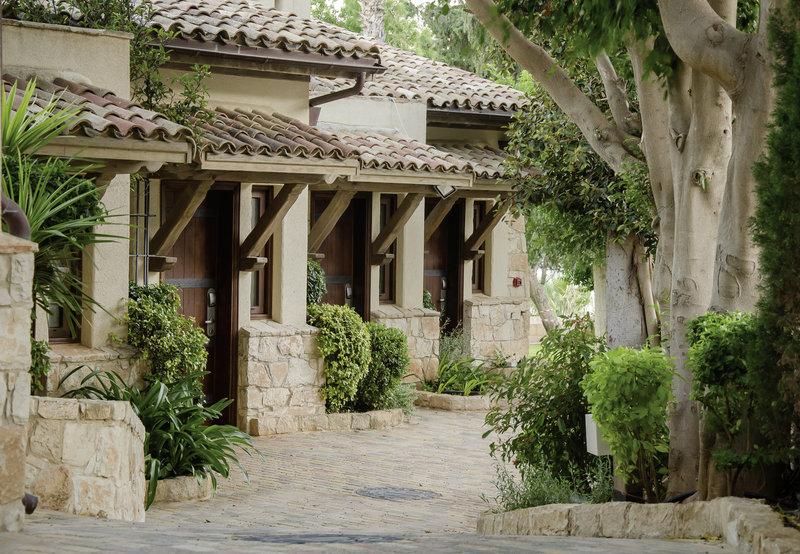columbia-beachotel-cypr-cypr-poludniowy-pissouri-budynki.jpg