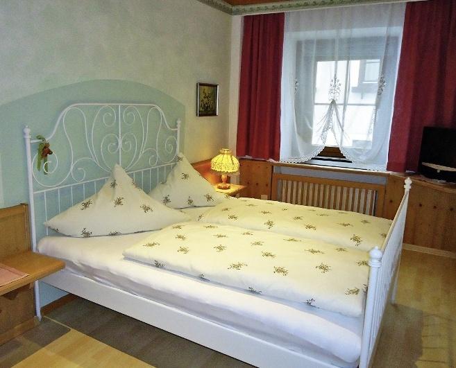 gastehaus-groder-austria-ziemia-salzburska-rauris-restauracja.jpg