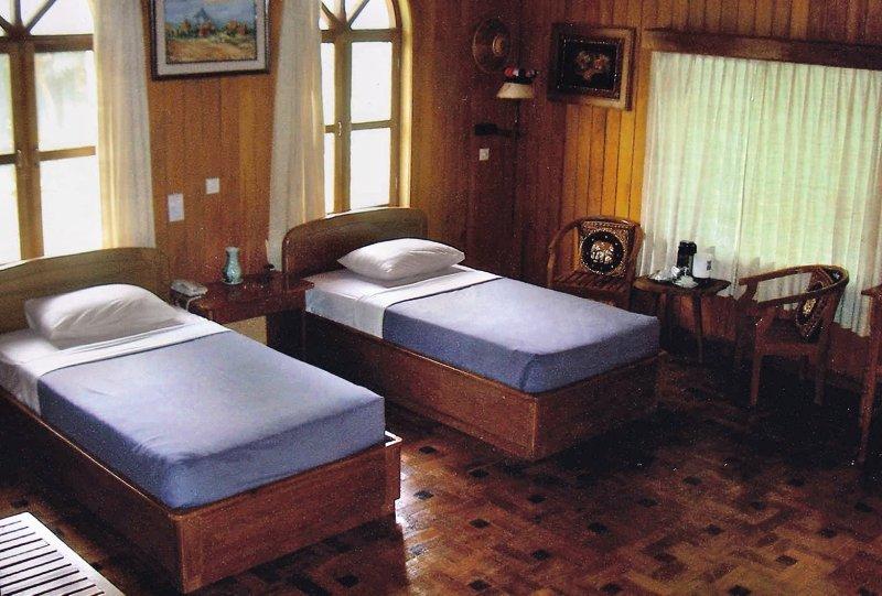 hilltop-villa-resort-hotel-kalaw-hilltop-villa-resort-hotel-kalaw-restauracja.jpg