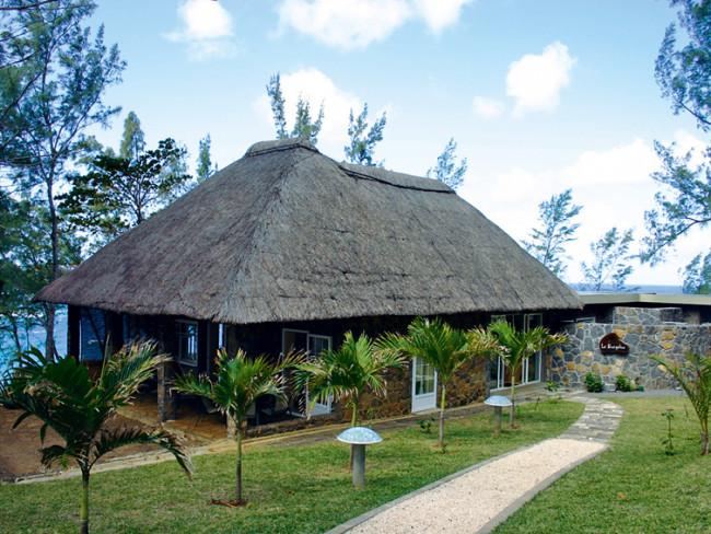 lodges-l-exil-andrea-mauritius-poludniowe-wybrzeze-la-pointe-jerzyme-basen.jpg