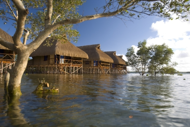 flamingo-bay-water-lodge-mozambik-mozambik-basen.jpg