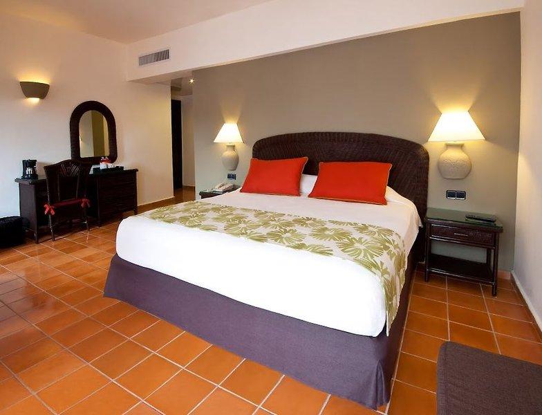 catalonia-bavaro-resort-dominikana-punta-cana-recepcja.jpg
