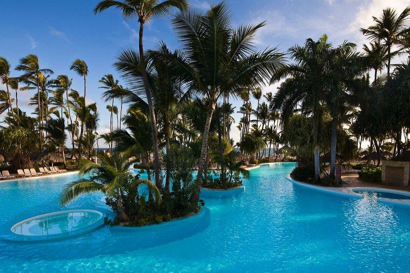 melia-caribe-tropical-dominikana-dominikana-punta-cana-lobby.jpg