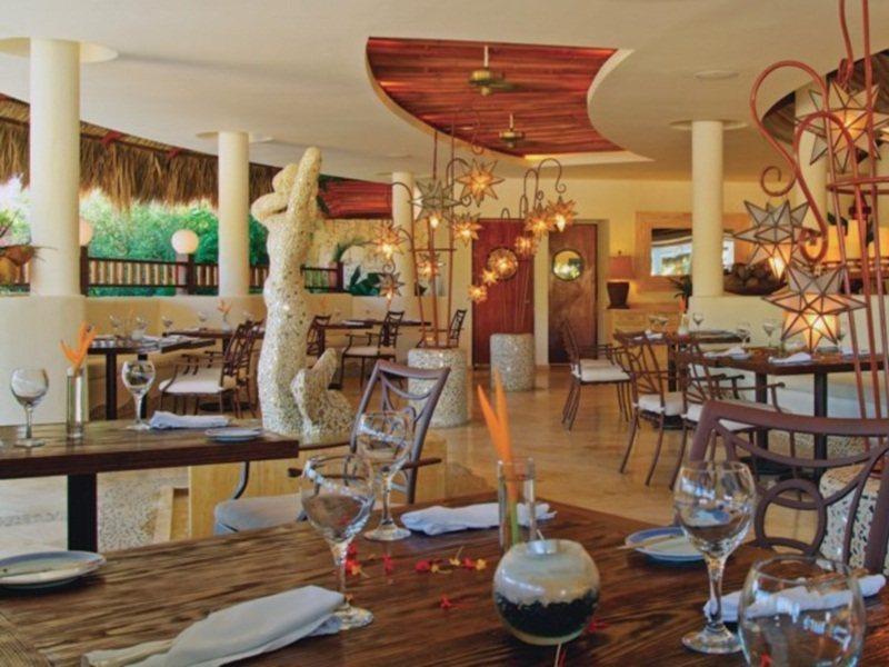 melia-caribe-tropical-dominikana-lobby.jpg