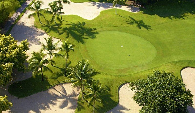 melia-caribe-tropical-dominikana-punta-cana-punta-cana-plaza.jpg