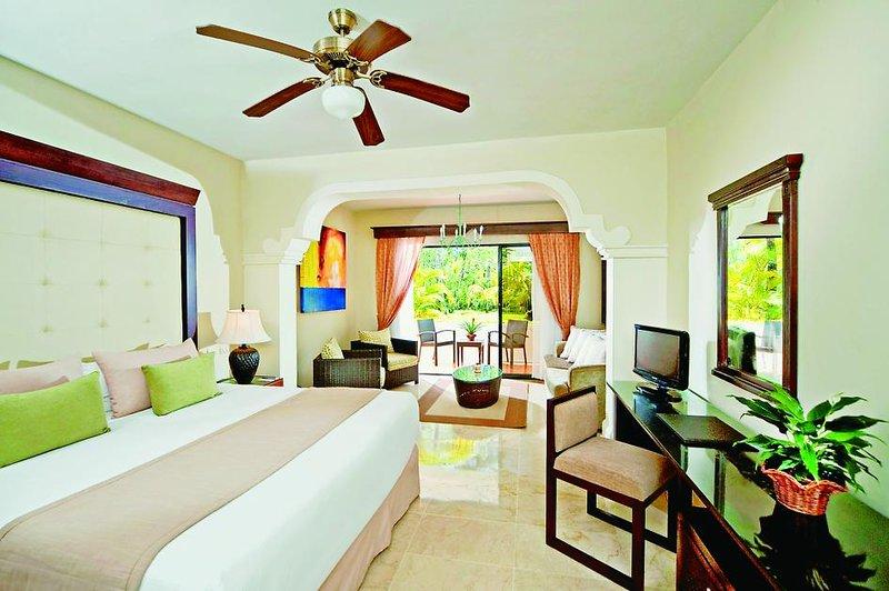 melia-caribe-tropical-dominikana-wschodnie-wybrzeze-budynki-pokoj.jpg