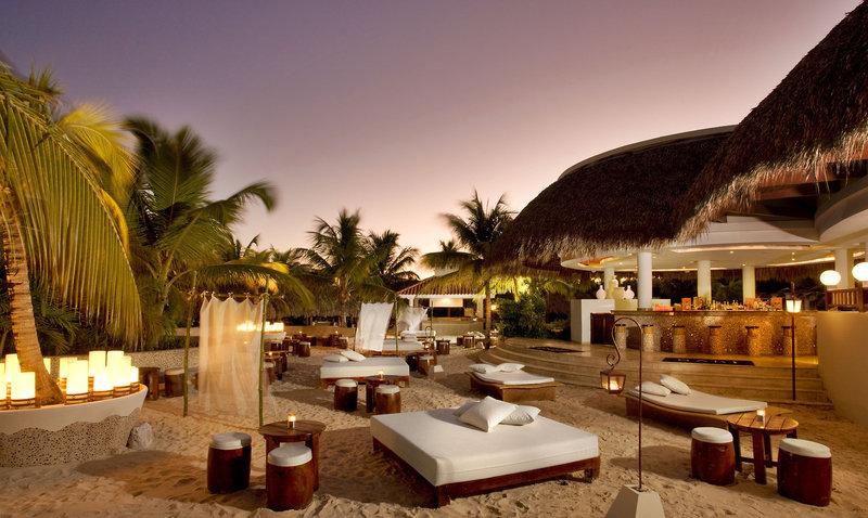 melia-caribe-tropical-dominikana-wschodnie-wybrzeze-punta-cana-plaza-widok.jpg
