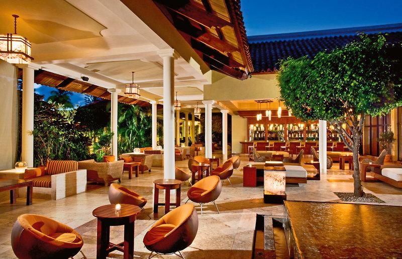 melia-caribe-tropical-meli-caribe-tropical-lobby.jpg