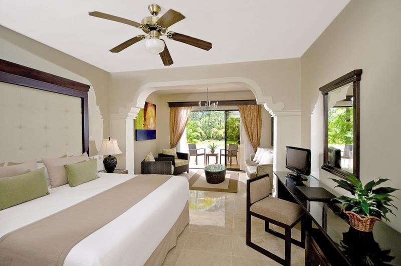 melia-caribe-tropical-melia-caribe-tropical-wschodnie-wybrzeze-bar.jpg