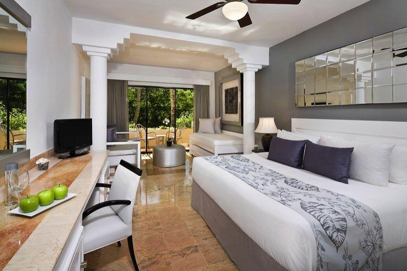 melia-caribe-tropical-melia-caribe-tropical-wschodnie-wybrzeze-wschodnie-wybrzeze-lobby-pokoj.jpg