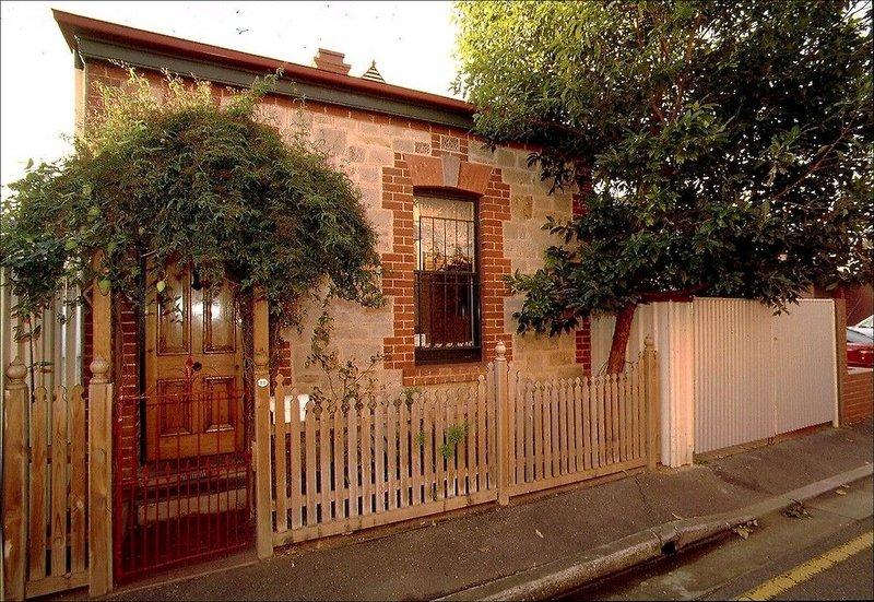 adelaide-heritage-cottages-apartments-australia-australia-poludniowa-adelaide-ogrod.jpg