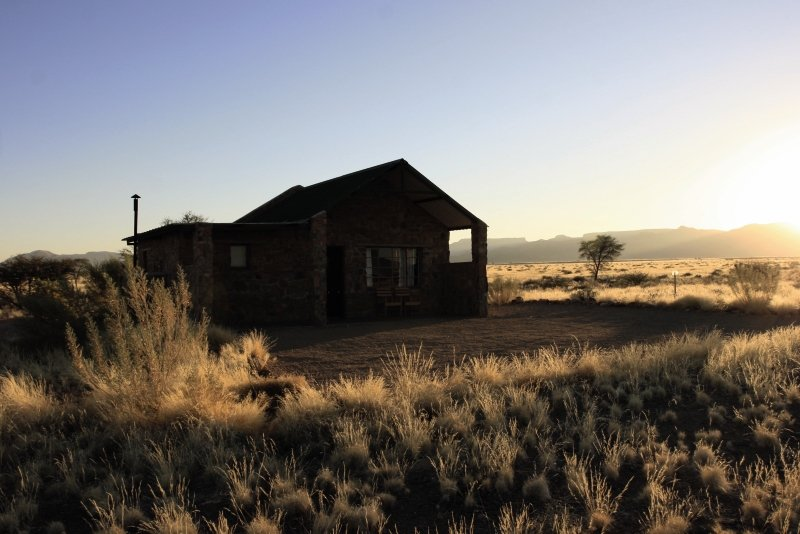 little-sossus-lodge-namibia-namibia-sossusvlei-bar.jpg