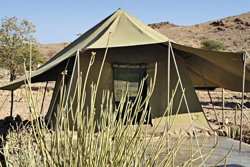 camp-xaragu-namibia-widok.jpg