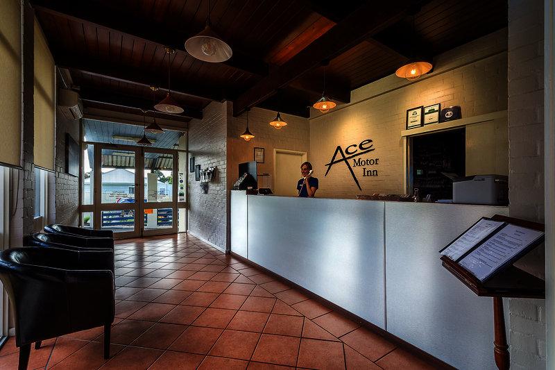 ace-motor-inn-australia-bar.jpg