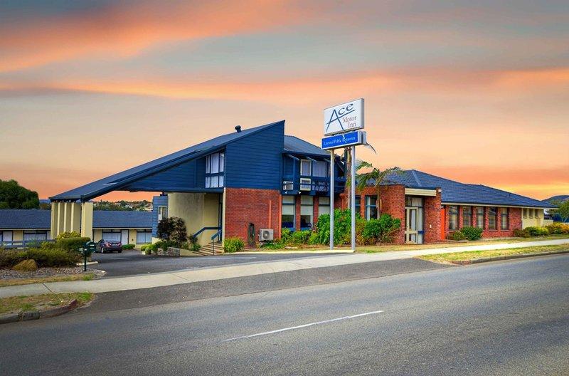 ace-motor-inn-australia-basen.jpg