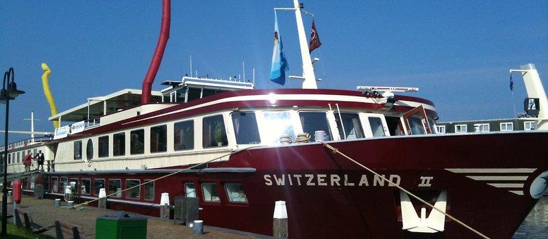 ms-switzerland-ii-rheingold-4-lander-kreuzfahrt-8-tage-szwajcaria-basel-i-okolice-basel-plaza.jpg