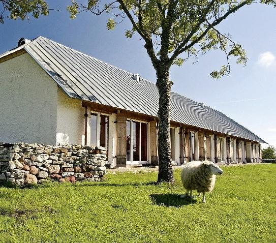 la-carte-hotels-von-a-z-pilguse-manor-estonia-lobby.jpg