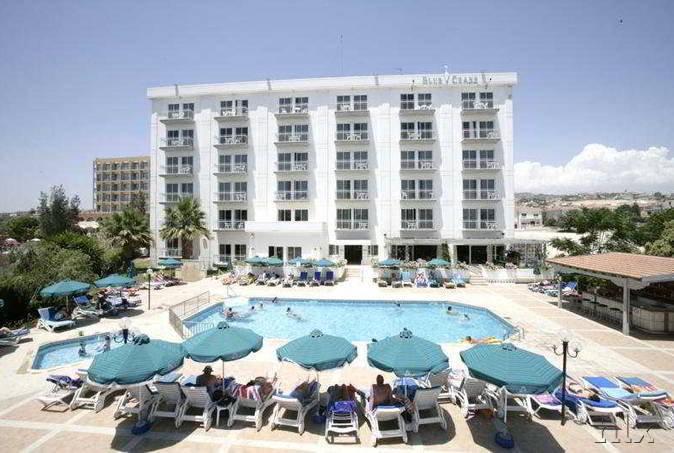 blue-crane-hotel-apartments-cypr-cypr-poludniowy-restauracja.jpg