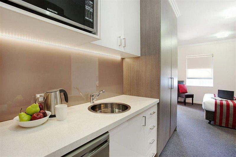 adara-camperdown-apartments-australia-lobby.jpg