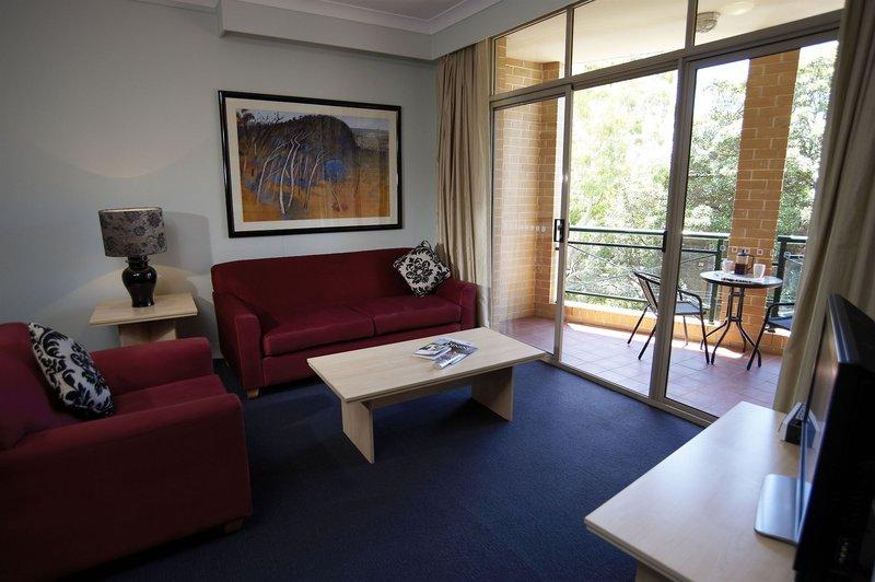 adara-camperdown-apartments-australia-nowa-poludniowa-walia-sydney-ogrod.jpg