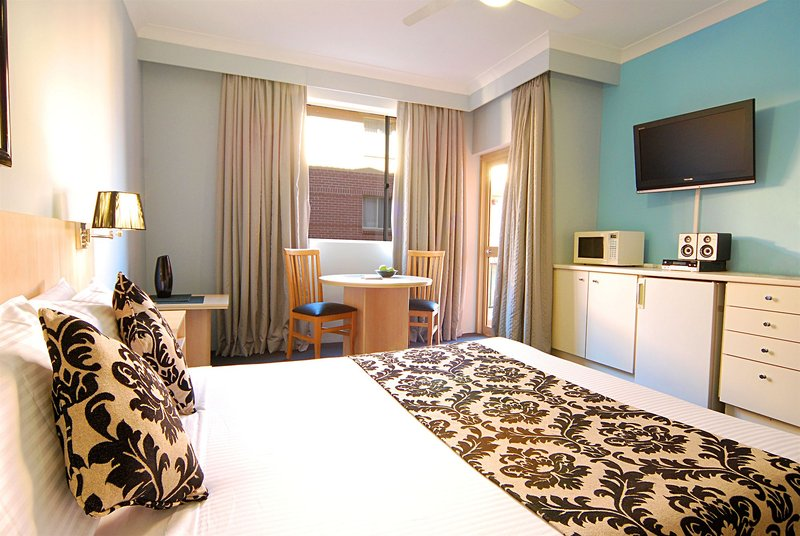 adara-camperdown-apartments-australia-ogrod.jpg