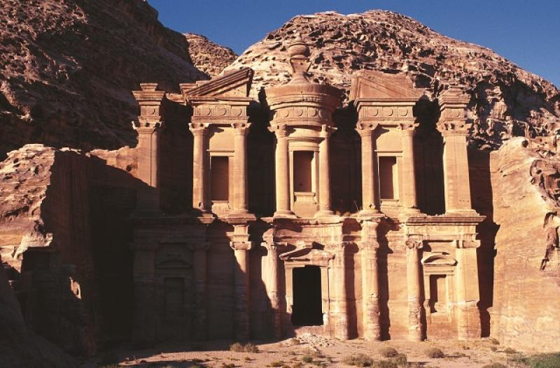 jordanien-rundreise-durch-die-geschichte-jordania-jordania-amman-lobby.jpg