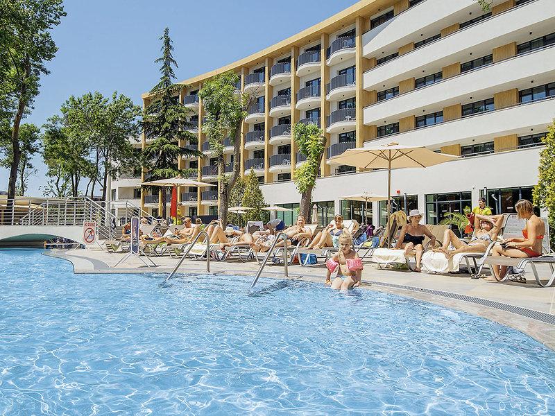 club-hotel-bor-bulgaria-widok-sport.jpg