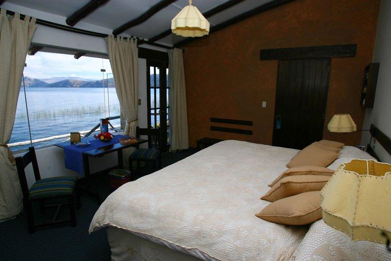 casa-andina-private-collection-isla-suasi-peru-peru-isla-suasi-bar.jpg
