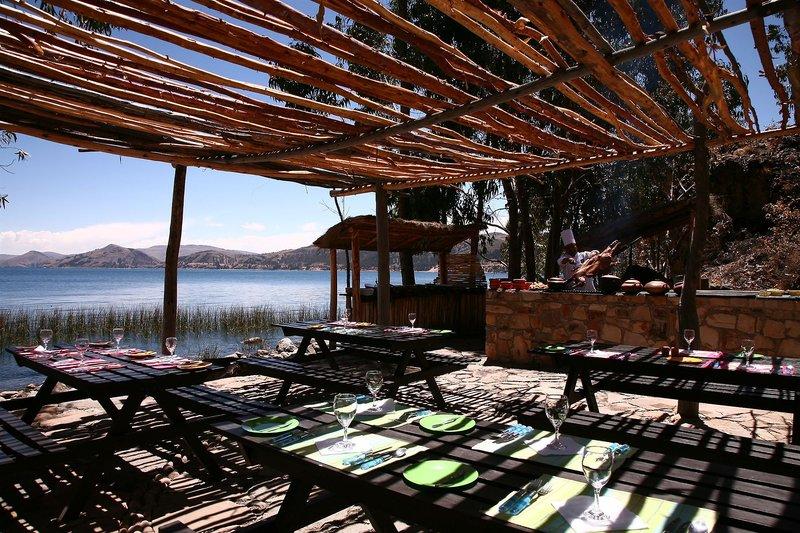 casa-andina-private-collection-isla-suasi-peru-peru-isla-suasi-bufet.jpg
