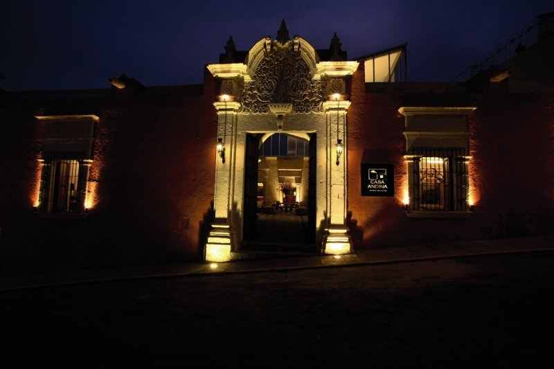 casa-andina-private-collection-peru-bar.jpg