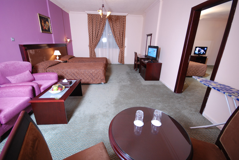 al-bustan-beach-hotel-tower-suites-al-bustan-beach-suites-sharjah-i-ajman-sharjah-i-ajman-bar.jpg