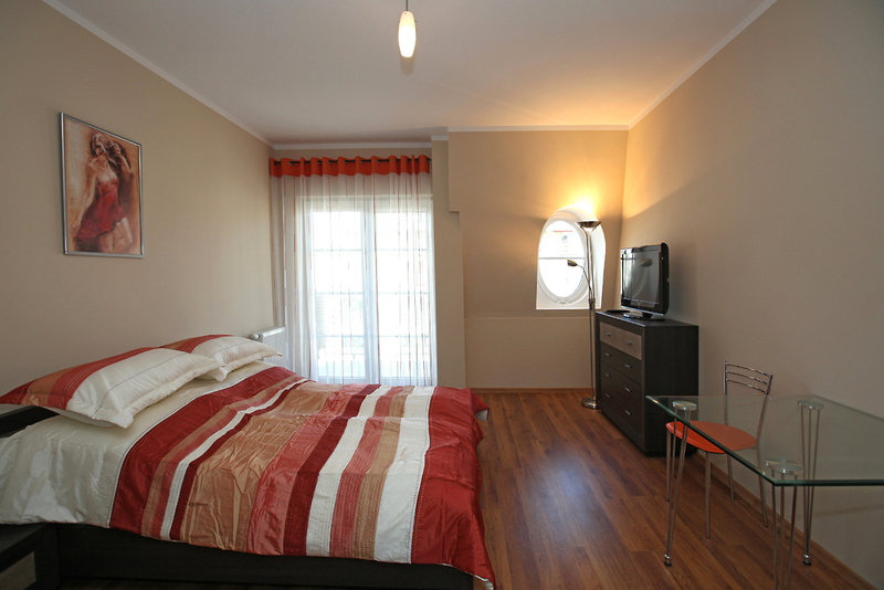 Regina Maris Apartments